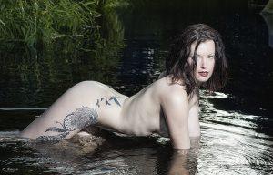 Anaïs à la rivière