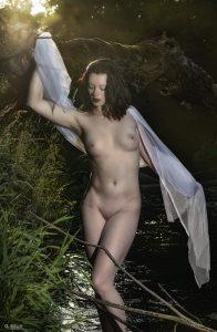 Anaïs a la rivière