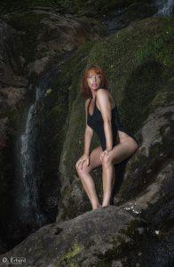 Jess à la cascade